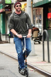 trottinette adulte stars Hugh Jaxman